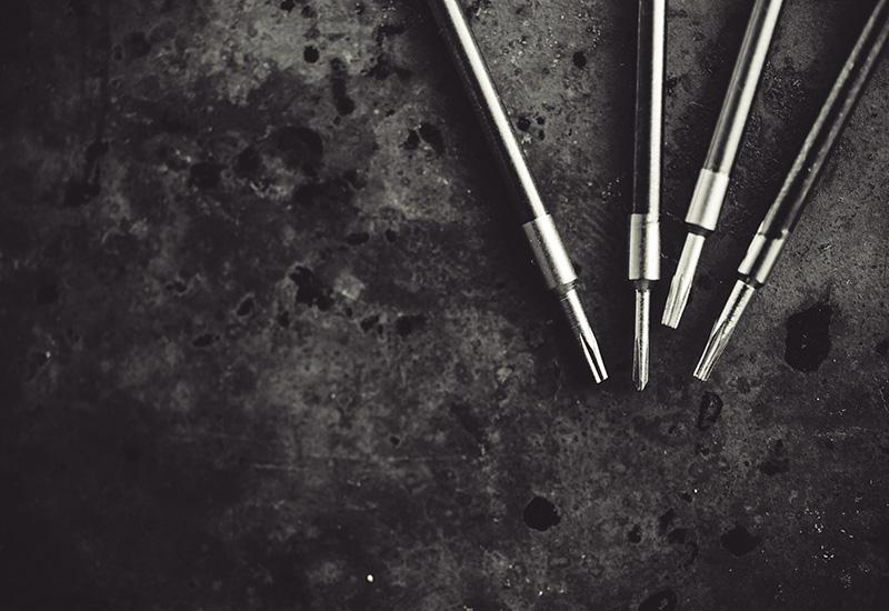 Herramientas de reparación de destornilladores.